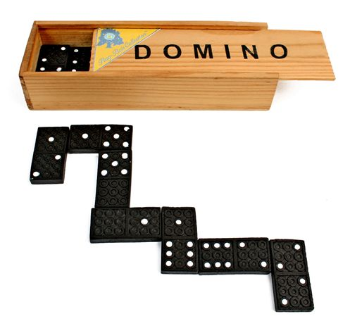 lot de 12 dominos coffret en bois 14 7 x 5 x 3 cm. Black Bedroom Furniture Sets. Home Design Ideas